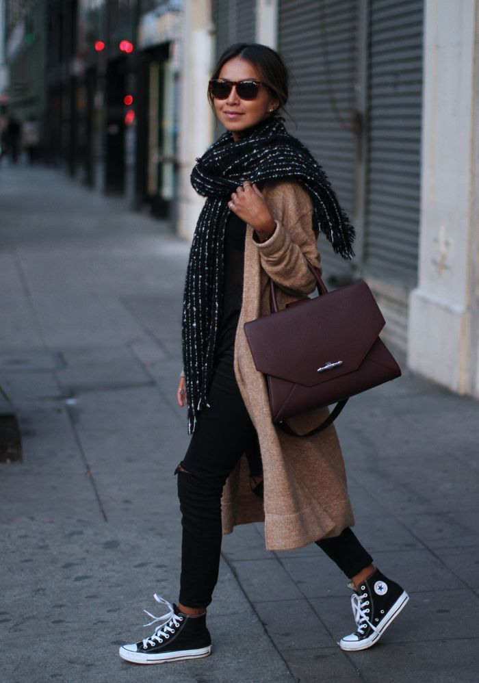 How To Wear The Oversized Scarf Trend _ Huge Scarf Outfit Ideas - Just The Design